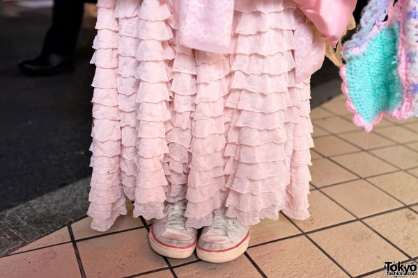 Tiered Maxi-Skirt & Vintage Converse