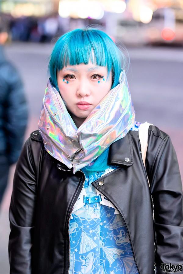 Short Blue Hair & Metallic Muffler