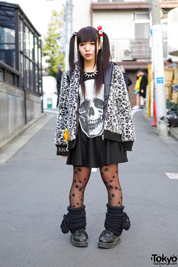 Twin Tails & Eyeball Bows, Glad News Skull Dress & Sex Pot ReVeNGE in Harajuku