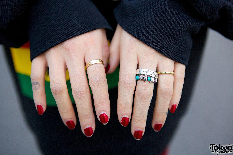 Red Nails & Rings – Tokyo Fashion News