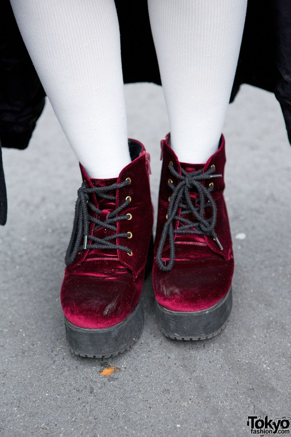 No Fall Lace-Up Boots