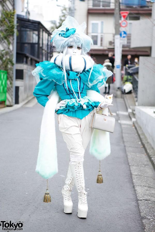 Shironuri Artist Minori in Blue & White w/ Faux Fur, Tassels & Tiny Cat