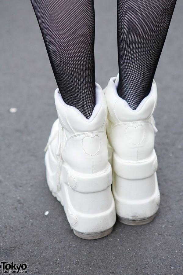 Heart platform sneakers