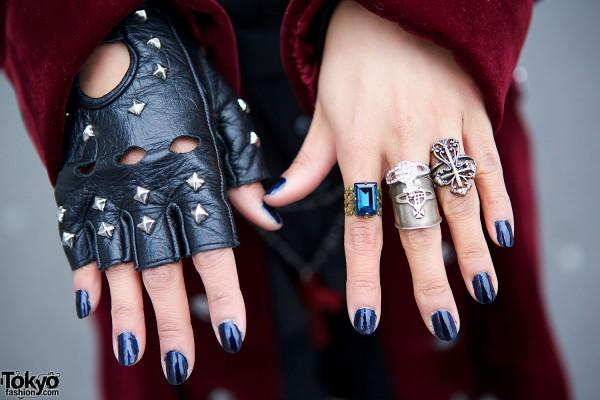 Fingerless gloves & rings