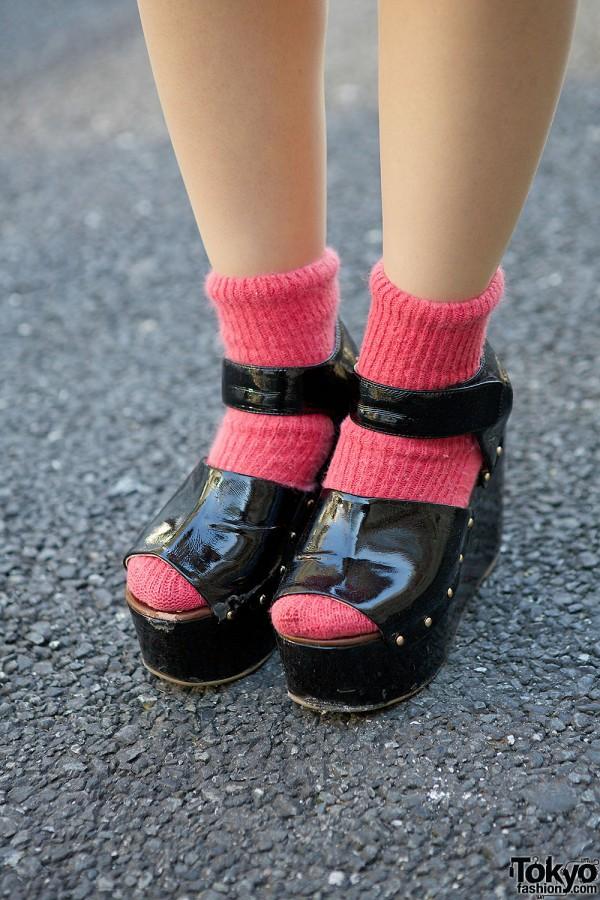 DHOLIC Sandals