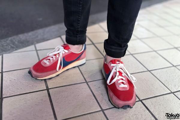 Retro Nike Sneakers & Skinny Jeans