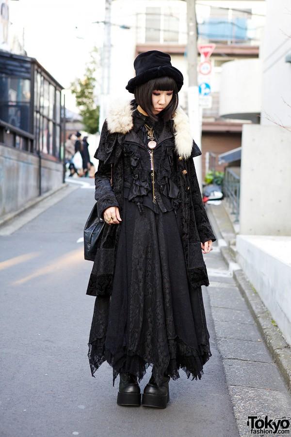 All Black h.NAOTO Style w/ Velvet Hat, Maxi Skirt, Doctor Bag & Platform Boots