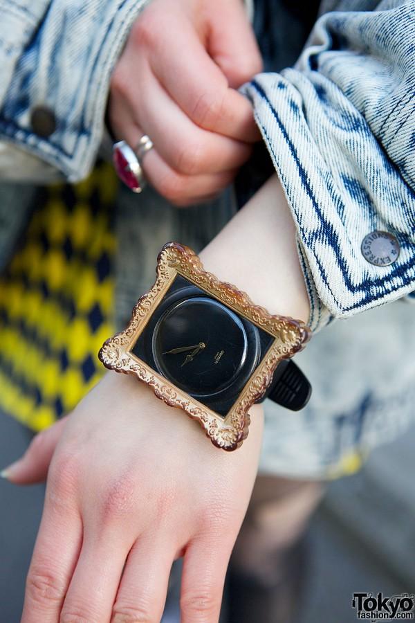 Jeremy Scott x Swatch Frame Watch