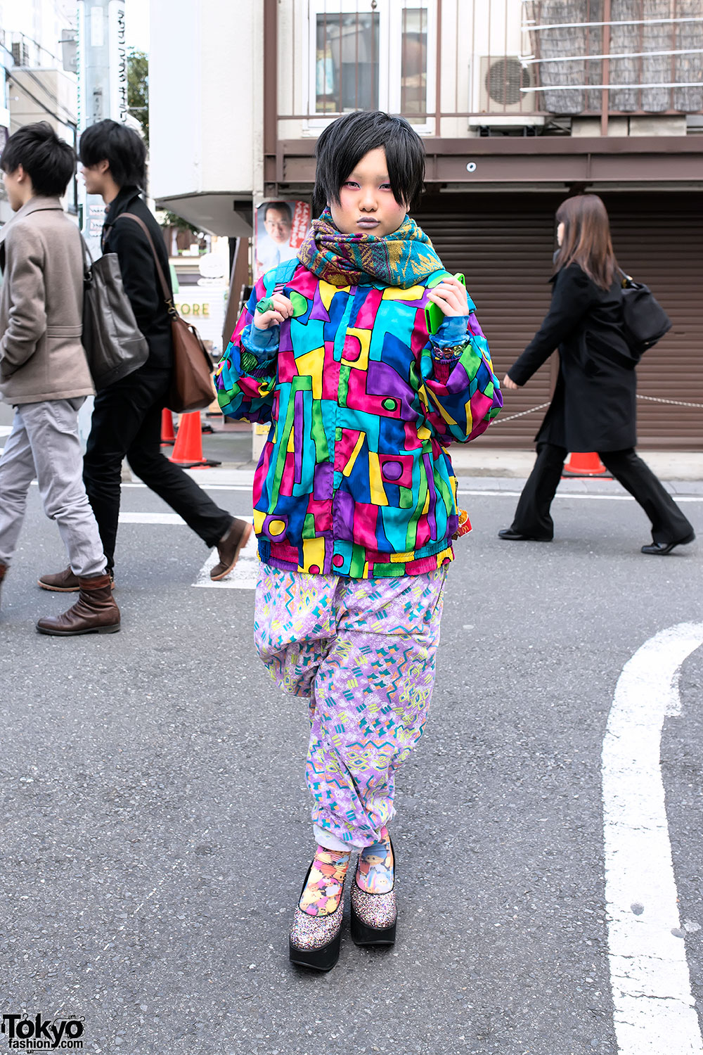 Harajuku Girl In Colorful Resale Style W Scooby Doo Spongebob