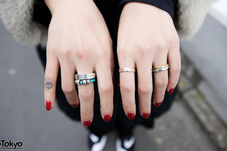 Silver Rings & Red Nails – Tokyo Fashion News