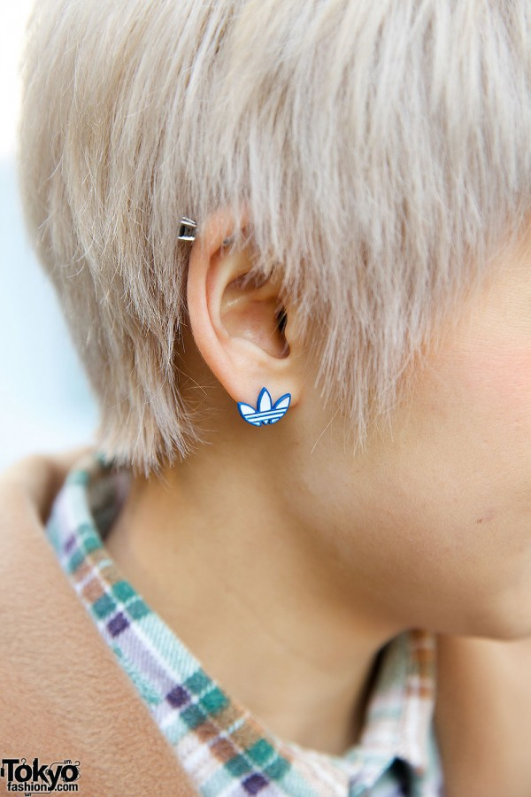 Blonde Pixie Cut & Stud Earring