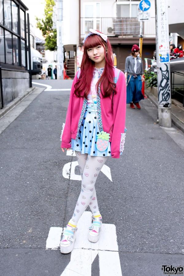 Pink Hair, SPANK! Tights, Platform Sandals & Little Mermaid in Harajuku