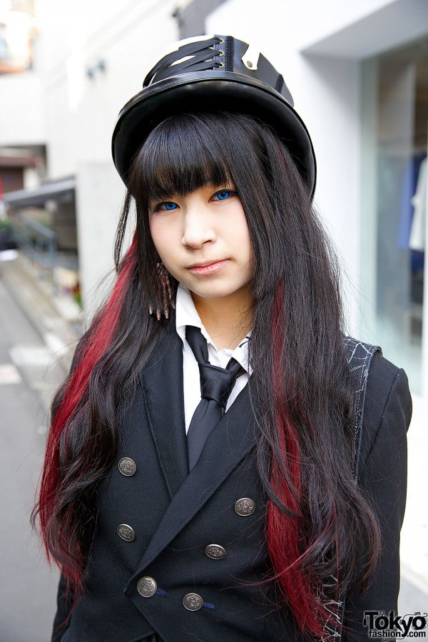 Red Highlights & Gothic Top Hat
