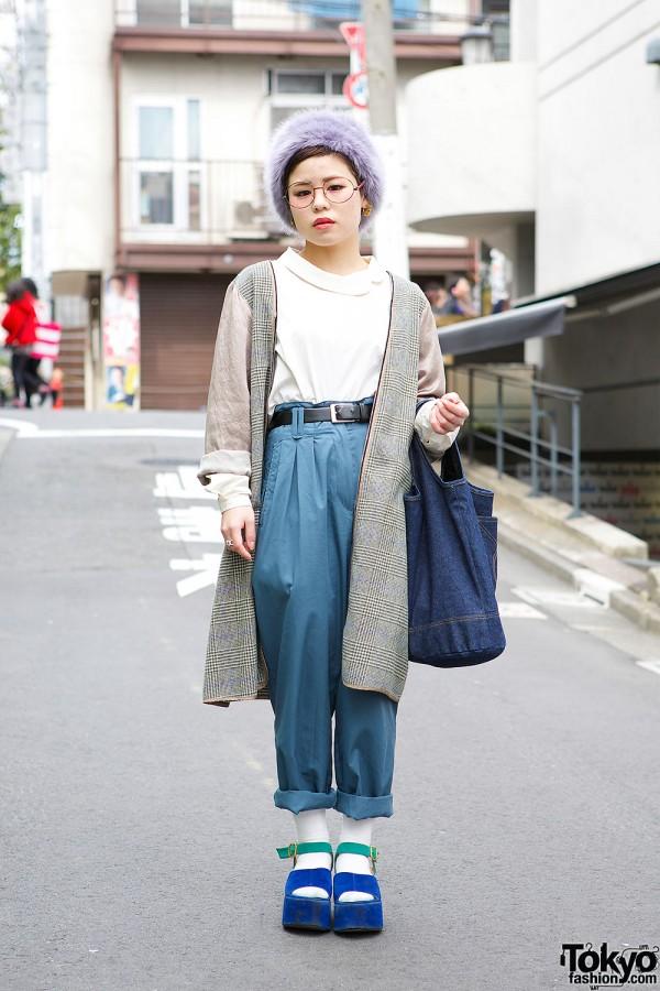 Harajuku Girl in High Waist Pants