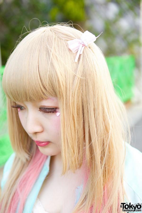 Hair Bows & Pink Hair