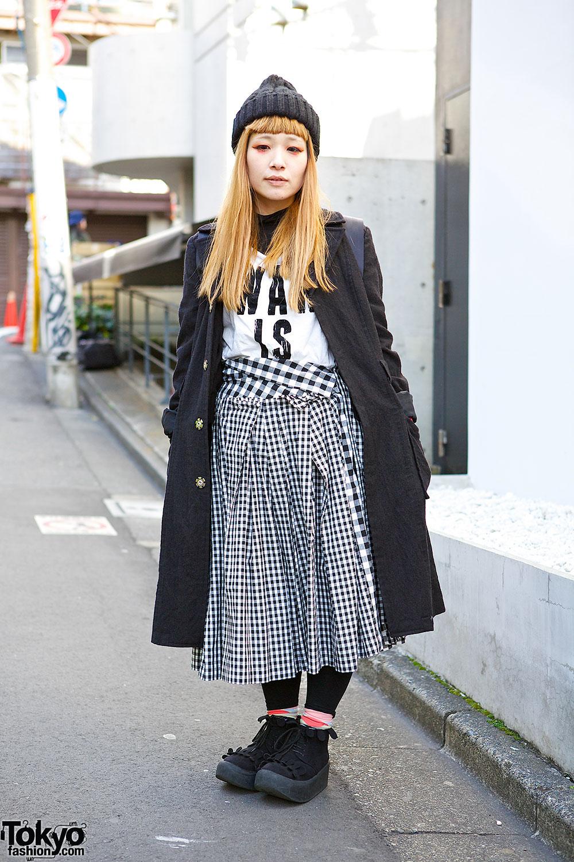 Monochrome Comme Des Garcons Look W Red Accents Tokyo Bopper