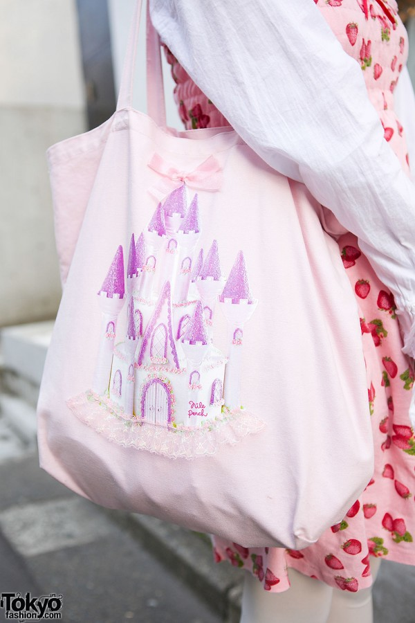 Nile Perch Castle Tote