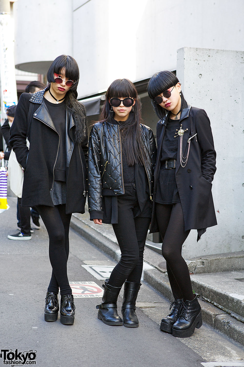 Harajuku Trio In All Black W Red Eye Make Up Chokers Leather Boots