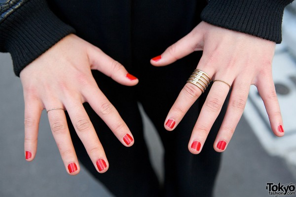 Red Nails & Golden Ring
