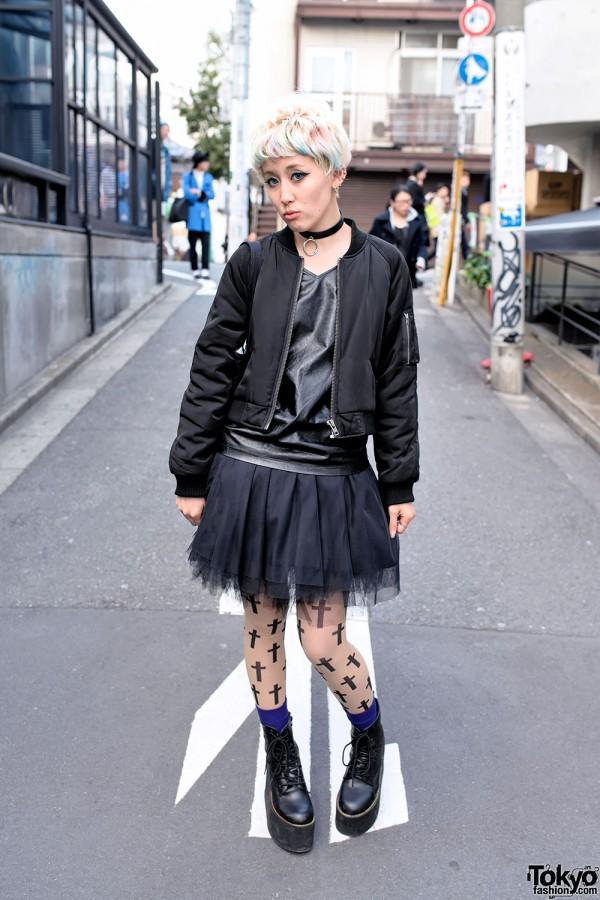 Blonde Japanese Model in Emoda