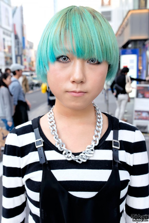 Short Green Hairstyle in Harajuku