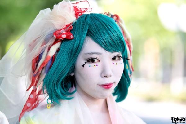 Shironuri Makeup & Green Hair