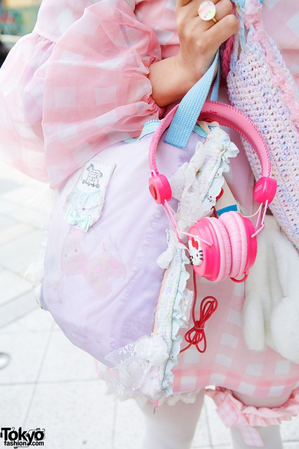 Gunifuni Bag & Hello Kitty Headphones