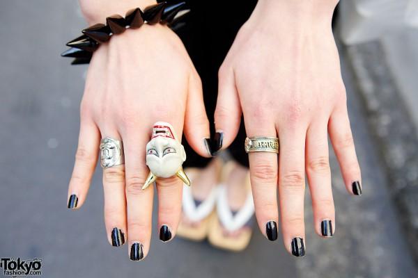 Devil Ring & Black Nails