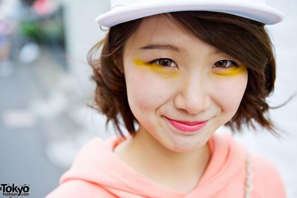 Yellow Eye Make-up