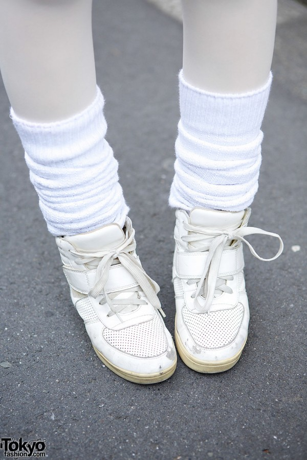WEGO Sneakers & Leg Warmers