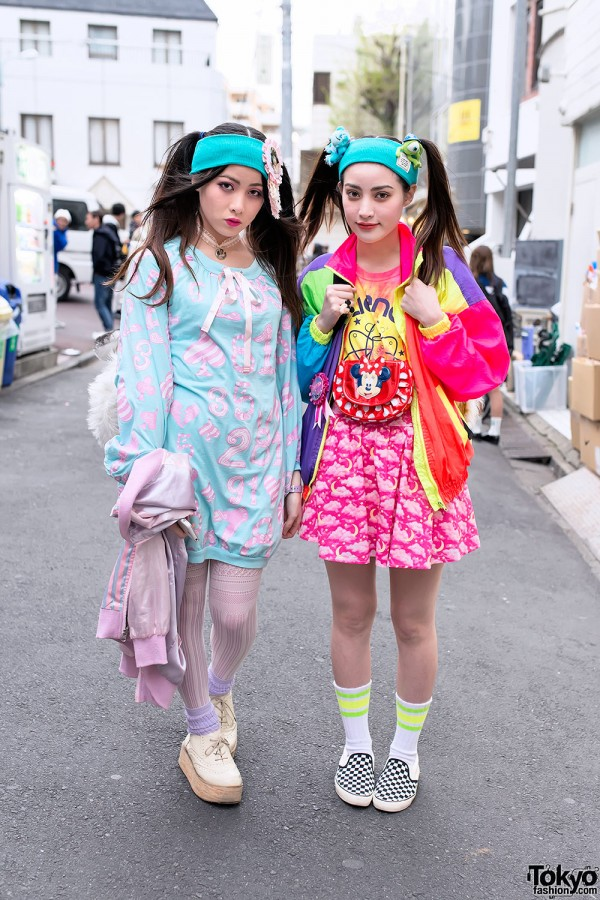Harajuku Sisters With Twintails Hairstyles