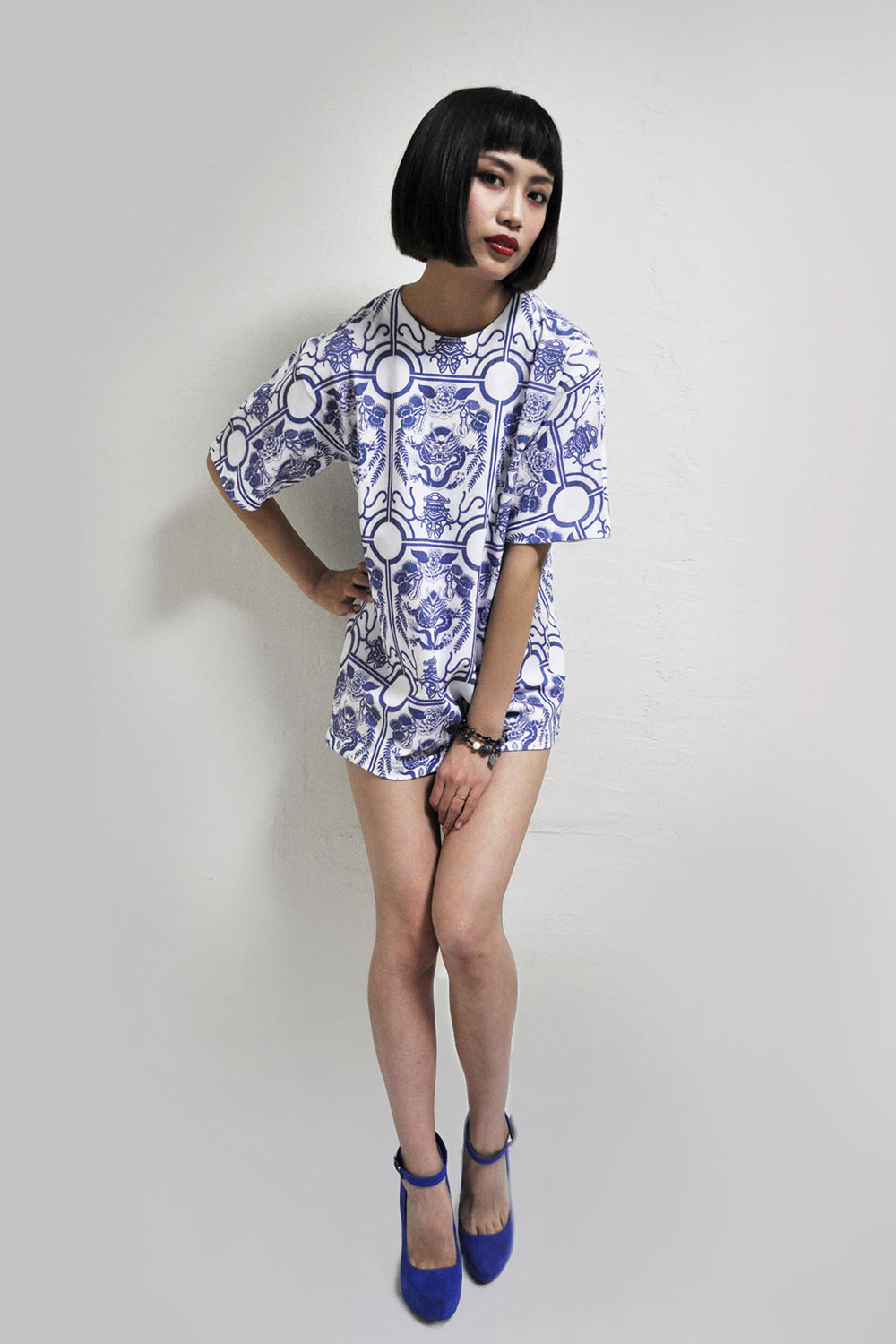 """Japanese Brand Vive Vagina's """"Blue Willow"""" Debut Collection"""