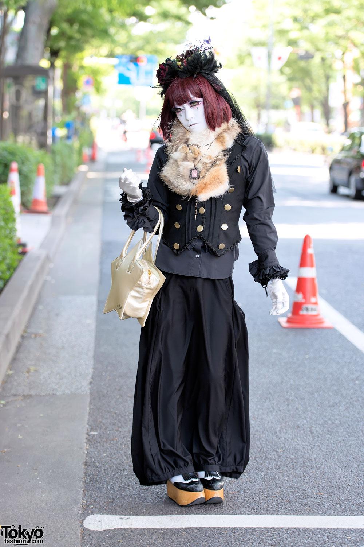 Harajuku Shironuri Guy in Black