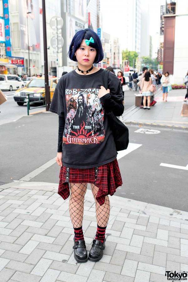 Harajuku Rock Style w/ Blue Hair, Plaid Skirt & UMEZZ Tote Bag