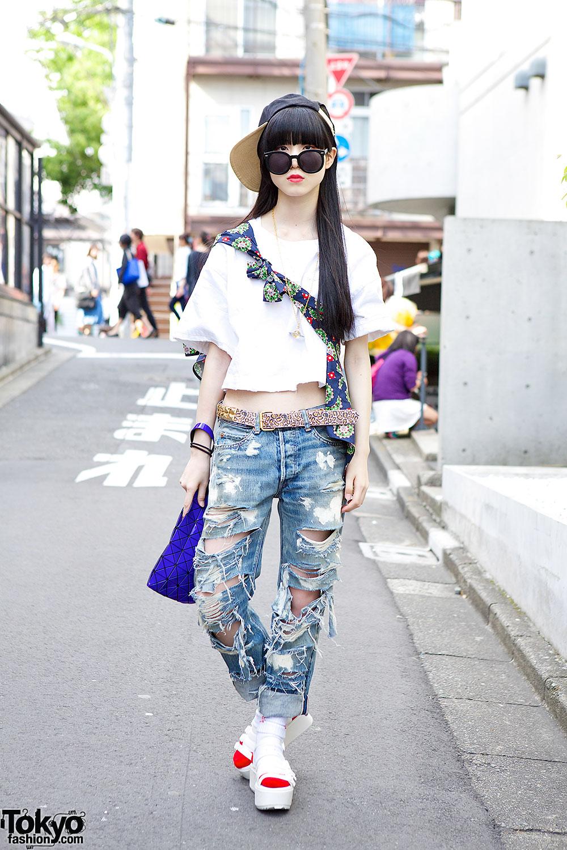 I Tokyo Me Crop Top W Rna Ripped Jeans Bao Bao Clutch Sandals
