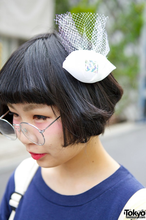 Hair Accessory & Round Glasses