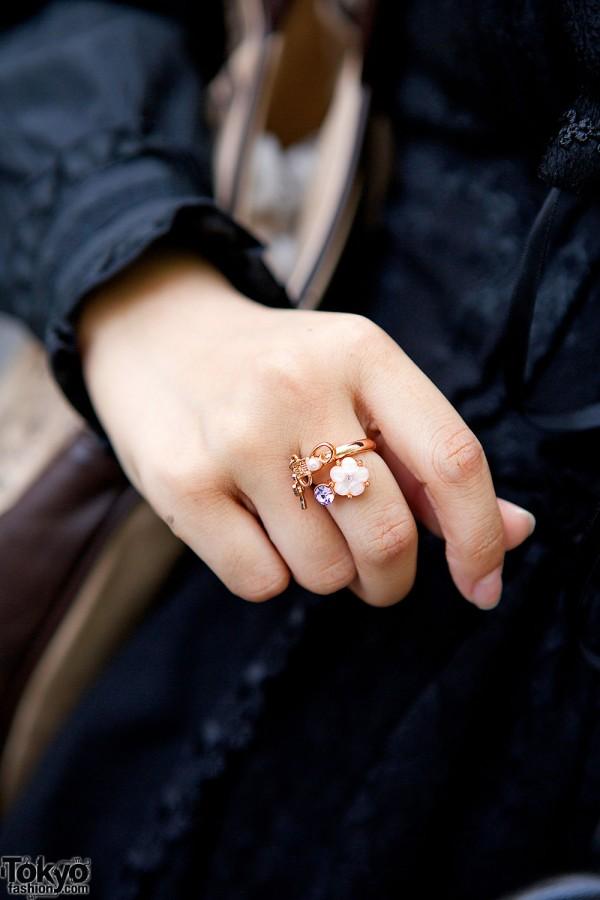 Axes Femme Ring