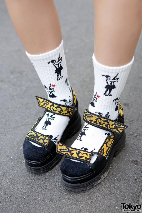Lowrys Farm Sandals & Style Icon Tokyo Socks