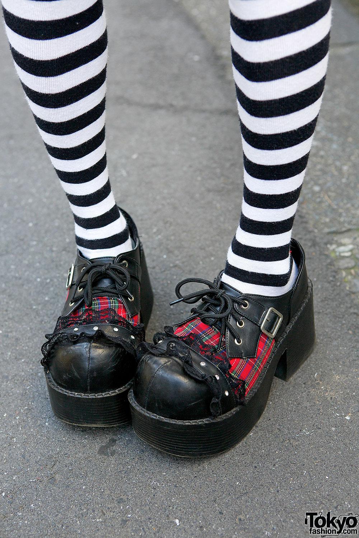 H Naoto Gothic Harajuku Style W Twin Tails Striped Socks