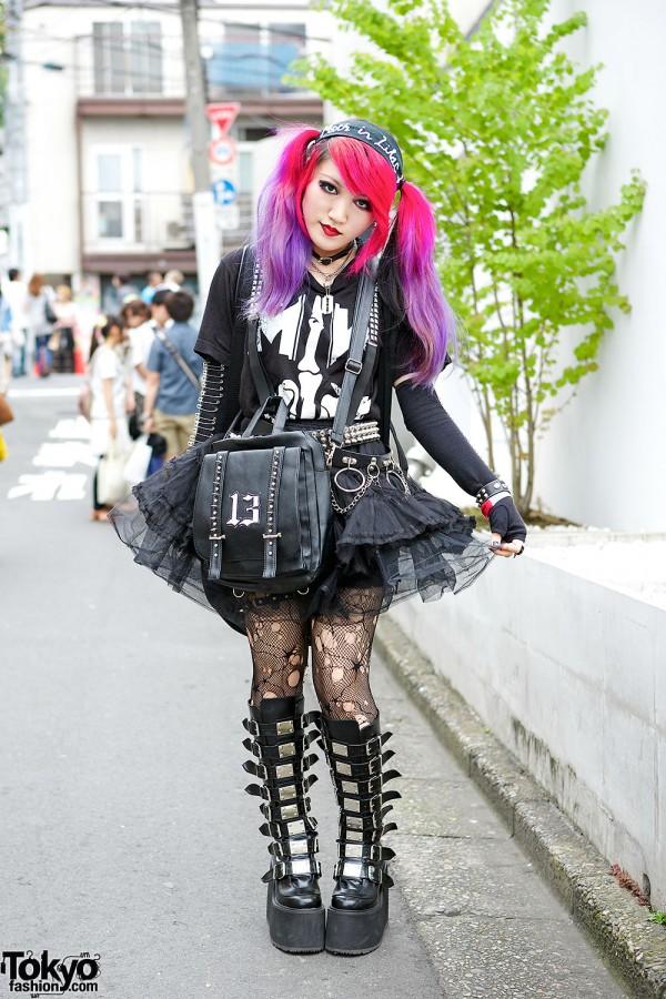 Lisa13 in Goth-Meets-Punk Harajuku Fashion