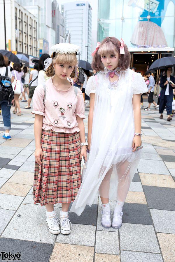 Harajuku Girls w/ Pastel Hair, Resale Fashion, Ribbons, Lace, Hearts & Seashells