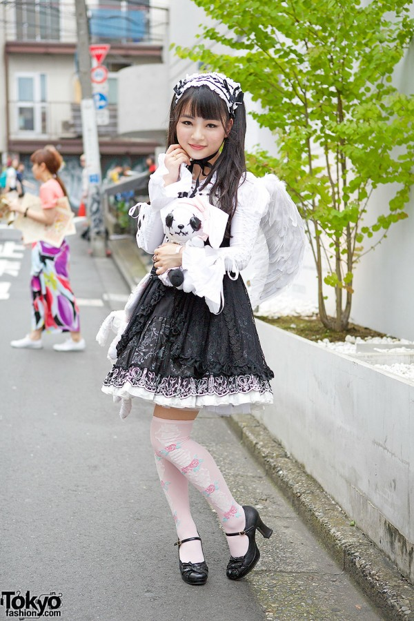 Winged Gothic Lolita Dress, Hangry & Angry, Angelic Pretty & Black Peace Now in Harajuku