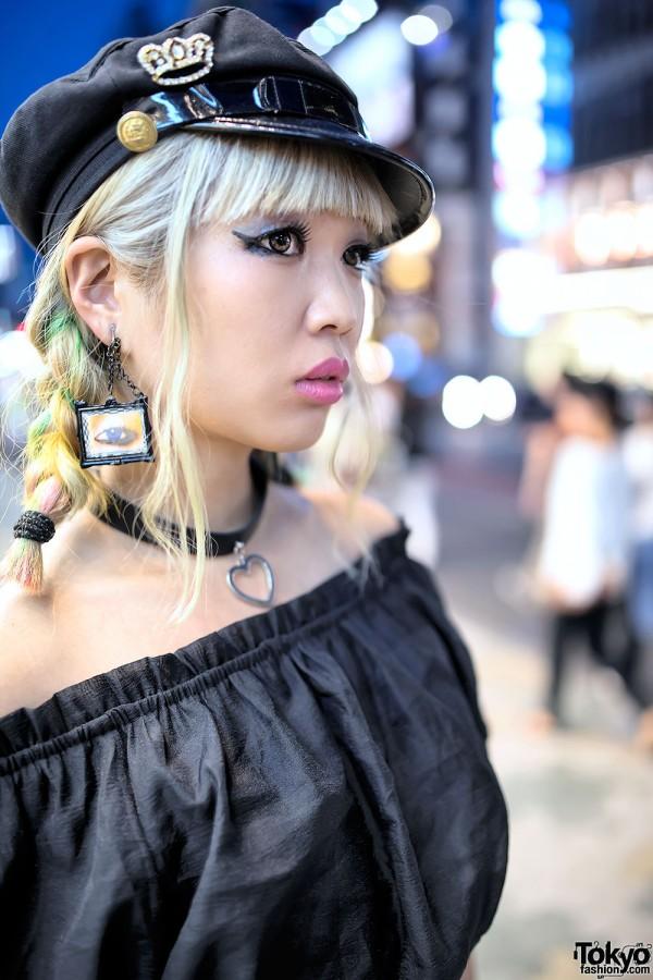 Eye Earrings & Black Hat