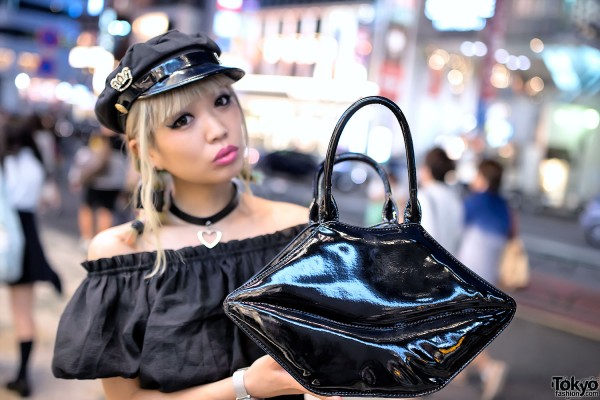Black Lips Handbag in Harajuku