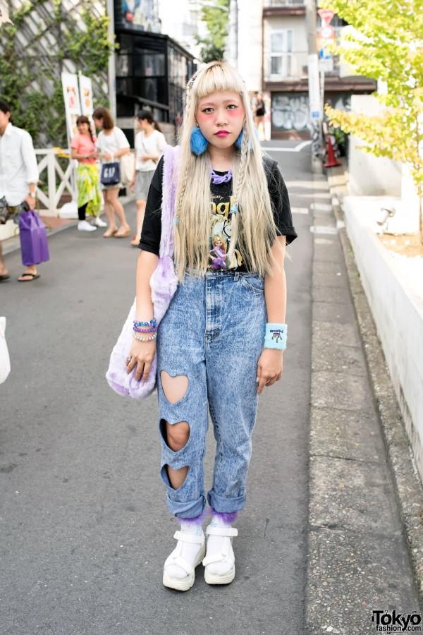 Harajuku Girl w/ Heart Cutout Acid Wash Jeans & Platform Sandals