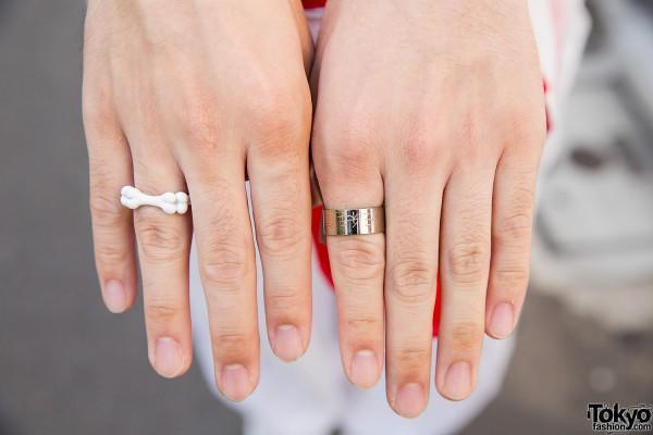 Monomania Rings
