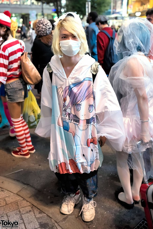 Manga Artwork Hoodie, Yo-Kai Watch Plush, Backpack & Sneakers & in Shibuya