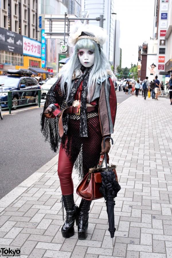 Shironuri Minori in Harajuku w/ Blue & Red Eye Makeup, Lace & Vintage Items