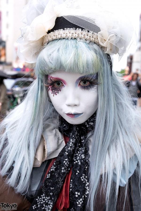 Red & Blue Shironuri Makeup