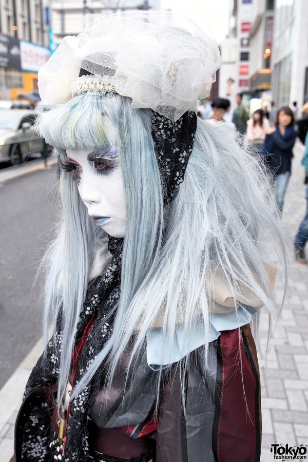 Black & White Lace Hat in Harajuku